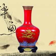 釉中红瓷描金龙腾盛世花瓶